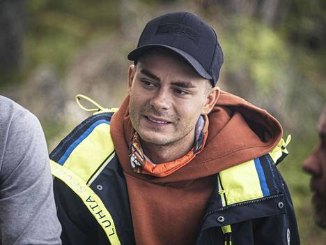 Niko Saarinen has said in Survivors that he is annoyed by Arttu Hark's over-determination.  The whole tribe unanimously voted for Artun out of the race.