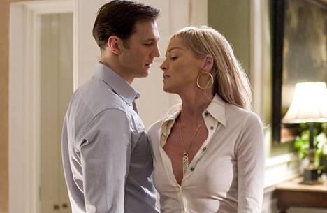 Basic Instict 2 was not a success like the first part.  Pictured are David Morrissey and Sharon Stone.