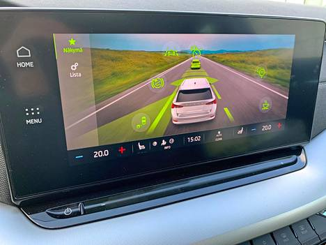 There are many different driver assistance systems in Octavia. In terms of use, they are cleverly packaged in a single screen.