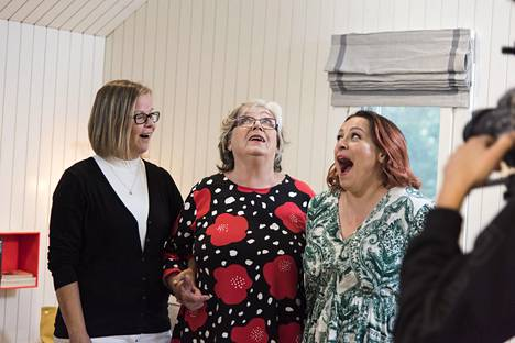 Anna-käly, Ritva-mother-in-law and Erin were not believing their eyes when they came to see the outcome of the transformation work.