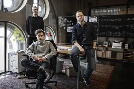 Director Henrik Georgsson (back) and editors Martin Johnson (left) and Anton Berg.