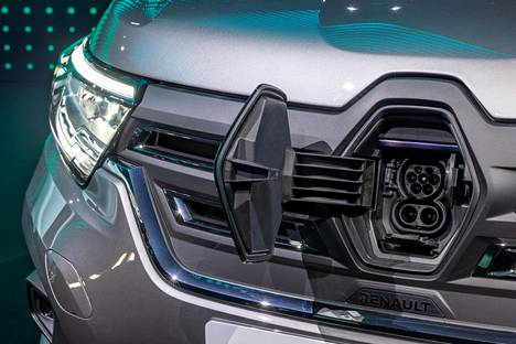 In the year 2022, the range will grow with the Kangoo E-Tech, ie the electric motor version.  Next year's issue also includes versions of Kango for passenger transport.