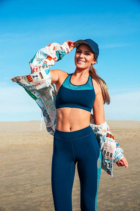 Pia Lamberg keeps herself fit by jogging and her work.  He pulls online workouts from home.