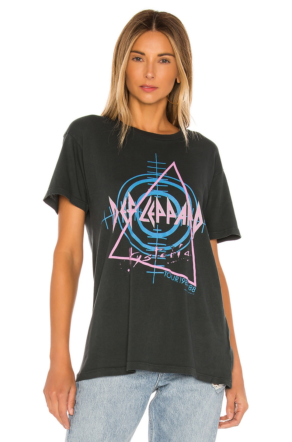 Hysteria Tour Weekend Tee, view 2, click to view large image.