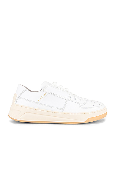 Acne Studios Steffey Lace Up Sneaker in White. - size 37 (also in 36,38,39,41)