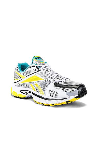 VETEMENTS Spike Runner 200 Sneaker in Blue,Gray,White. - size 43 (also in 41,42,44.5,45.5)