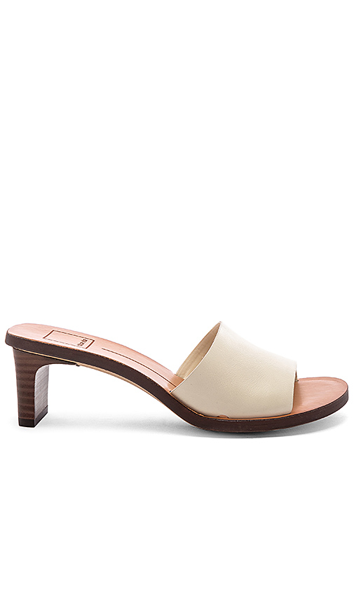 Dolce Vita Kylin Sandal in Ivory. - size 6 (also in 8,8.5,9.5,10)