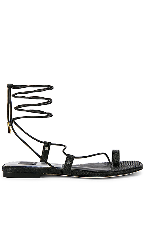 Dolce Vita Dash Sandal in Black. - size 7 (also in 10,6,6.5,7.5,8,8.5,9,9.5)
