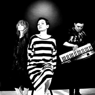 卢巧音 & Fabel - 自恋自在 (合唱版) - Single