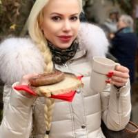 Mittelalterlicher Weihnachtsmarkt in traumhafter Kulisse wie in Winterfell bei Game of Thrones