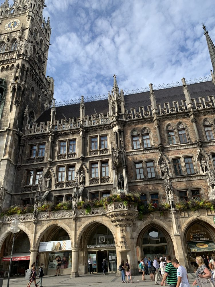 Marienplatz . München . Frauenkirche . Neues Rathaus . Altes Rathaus . IsabellaMueller . @Isabella_Muenchen .