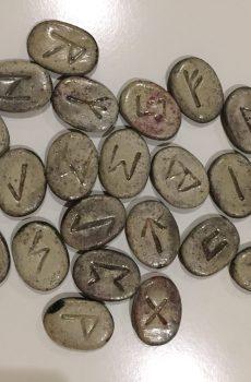 les Runes en céramique