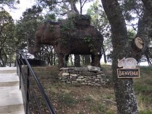 l'Eléphant de Vaugines en Provence