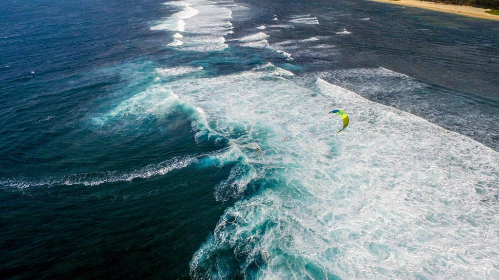 Kitesurf Kingfisher vagues Philippines