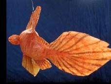poisson papier de soie , plumeau orangé