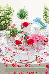 Unconventional Centerpieces  200x300 - Easy to Make Easter Décor for Your Table