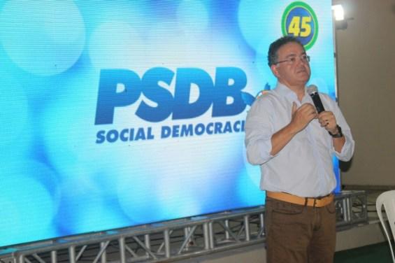 """Senador afirmou """"aos agoureiros"""" que será candidato ao governo do Maranhão"""