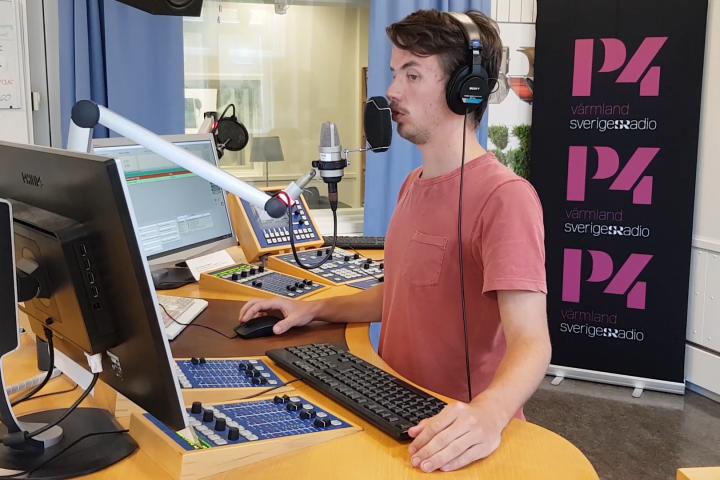 Presenting news for Sveriges Radio P4 Värmland.