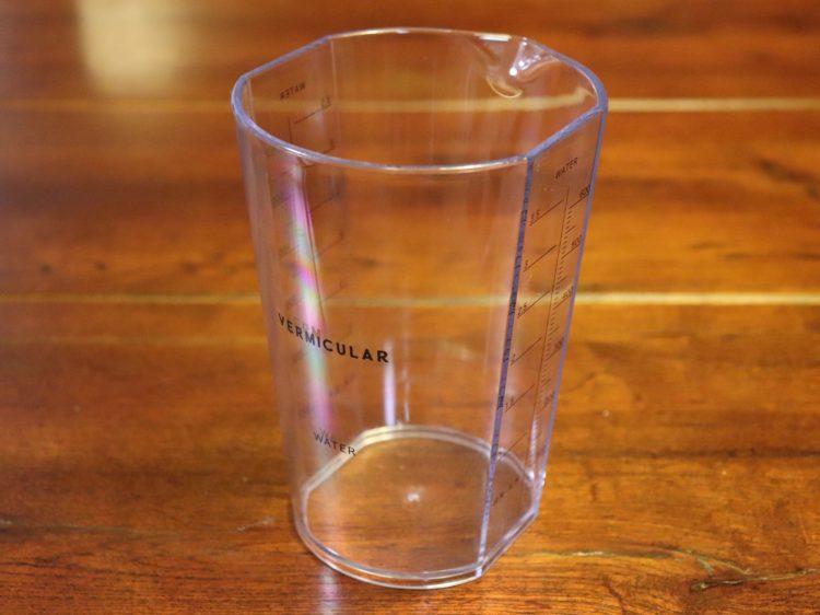 水用計量カップ