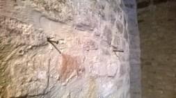 Fori e chiodi presenti prima del restauro di Nazzareno Girotti. Foto di Elena Garbuglia. Sala mostre Umberto Boccabianca.
