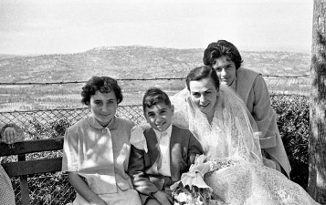 Da sx Dina Valentini, Franco Valentini, Maria Bartoli (sposa) e Beatrice Bianchi.