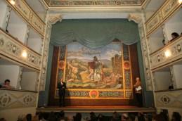 Il Sindaco Sergio Paolucci insieme ad Andrea Bovari, presentatore della serata. Inaugurazione restaurato sipario del giorno 18/11/2006. Foto di Luigi Anzalone.