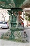 Particolari arrugginiti della fontana di Piazza Matteotti. Foto Sergio Ceccotti.