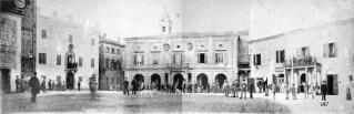 Foto anno 1887 - Piazza Principe di Napoli (Piazza Matteotti) - Potenza Picena - Al Centro il Palazzo comunale. Unica foto esistente della Piazza senza la fontana e della torre con il quadrante dell'orologio ottagonale in pietra.