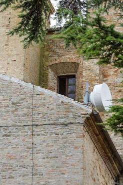 Finestra aperta della Chiesa di S. Francesco, vista dal Pincio. Foto Sergio Ceccotti.