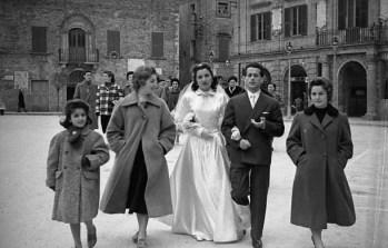 """53. Matrimonio di Scataglini Luigi e Cutini Maria, Scataglini Gianna, Fioranelli Giuseppina e Melatini Pina - Fototeca Comunale """"B. Grandinetti"""""""