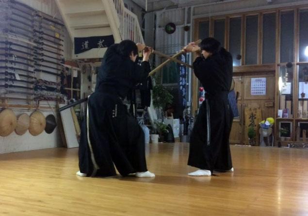 剣術形九本目 冠落