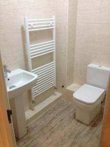 Ensuite and cloakroom