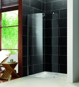 Luxury wetroom with curved shower screen