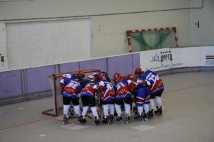 Die Jugend II beim Einschwören vor dem Spiel in Duisburg