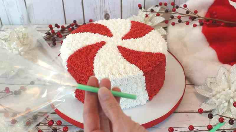 Inserting cellophane for peppermint candy cake