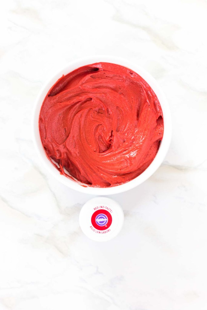 Coloring buttercream red with wilton no taste red color
