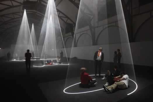 Anthony+McCall+Installation+Opens+Berlin+h2HT25nX-mtl