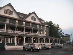 Adirondak hotel Long Lake NY