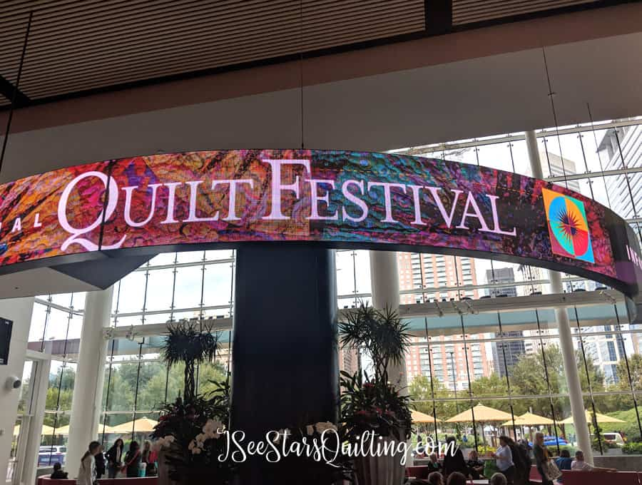 Thinking of going to a Quilting Festival? These 8 Tips are going to prepare you for your super fun adventure! Make sure to read through these so you don't forget anything important :)