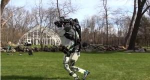 Atlas, el robot de Boston Dynamics es capaz de hacer footing