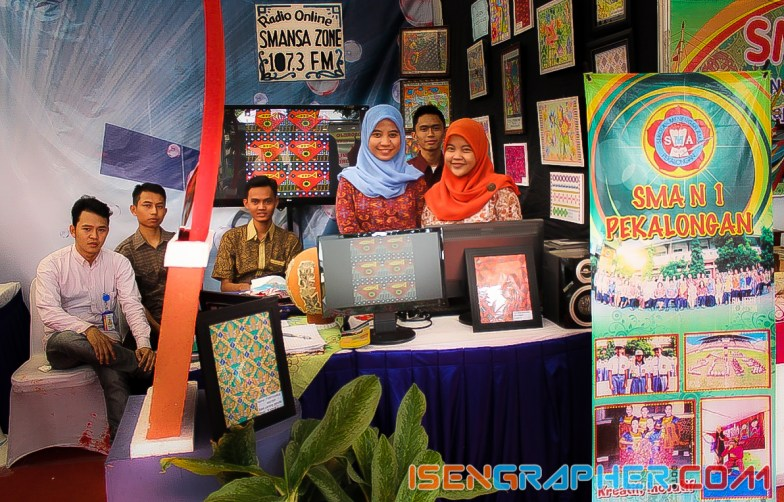 anak-anak PPL di stand pameran SMA 1 Pekalongan