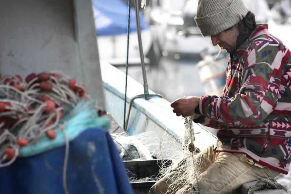 fisherman-449280_960_720