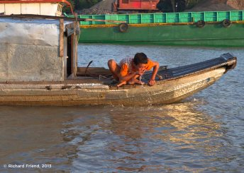 People in the Mekong live close to natural water bodies and rely on them for drinking, washing and transport. As cities expand these water bodies are becoming increasingly polluted raising a whole host of public health challenges.
