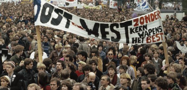 anti kernwapen demonstraties begin