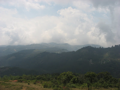 Yercaud hills and clouds 8 top places to see in yercaud