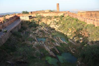 Lake inside Jaigarh Fort