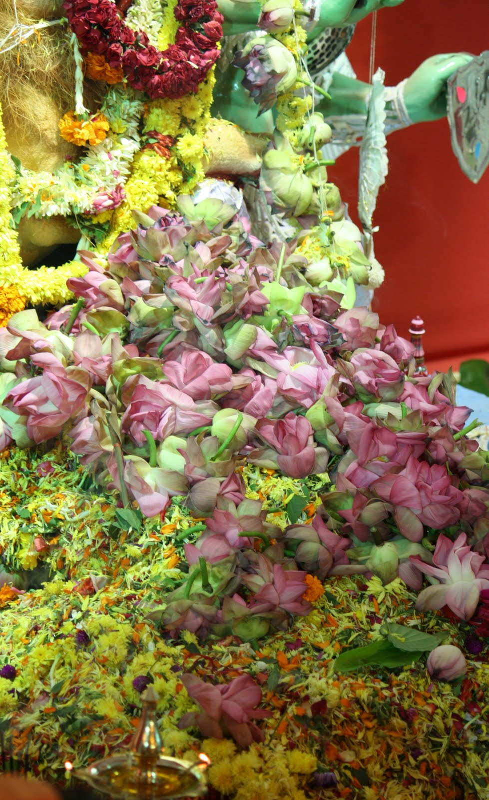 Significance of 108 lotus flowers on ashtami of durga puja i share one who performs his duty without attachment surrendering the results unto the supreme lord is unaffected by sinful action as the lotus leaf is izmirmasajfo