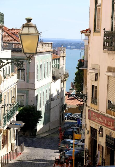 Alfama_tour_Lisbon_4