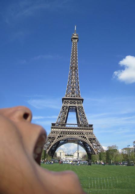 Eiffel tower wordless