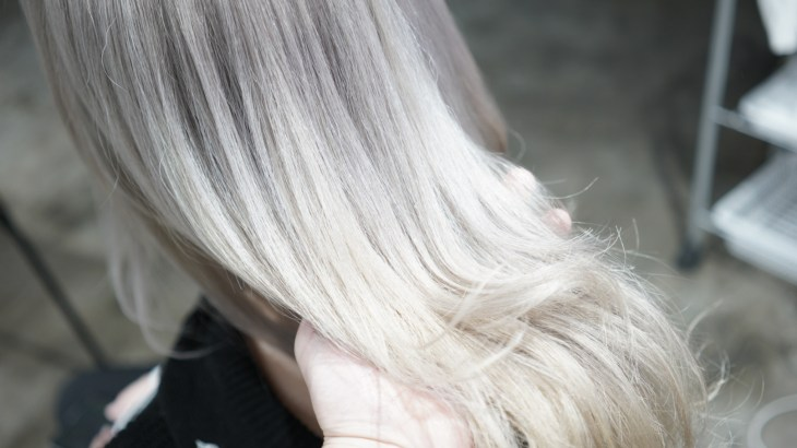 名古屋 シルバー ホワイトブリーチ 髪色 ハイトーン ケアブリーチ 得意 上手 ブリーチした髪のお手入れ方法